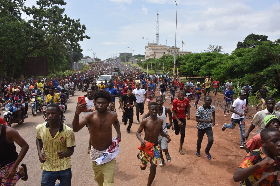 Guinean special forces seized power in a coup d'etat, arresting the president and imposing an indefinite curfew in the West African country. [Cellou Binani/AFP]