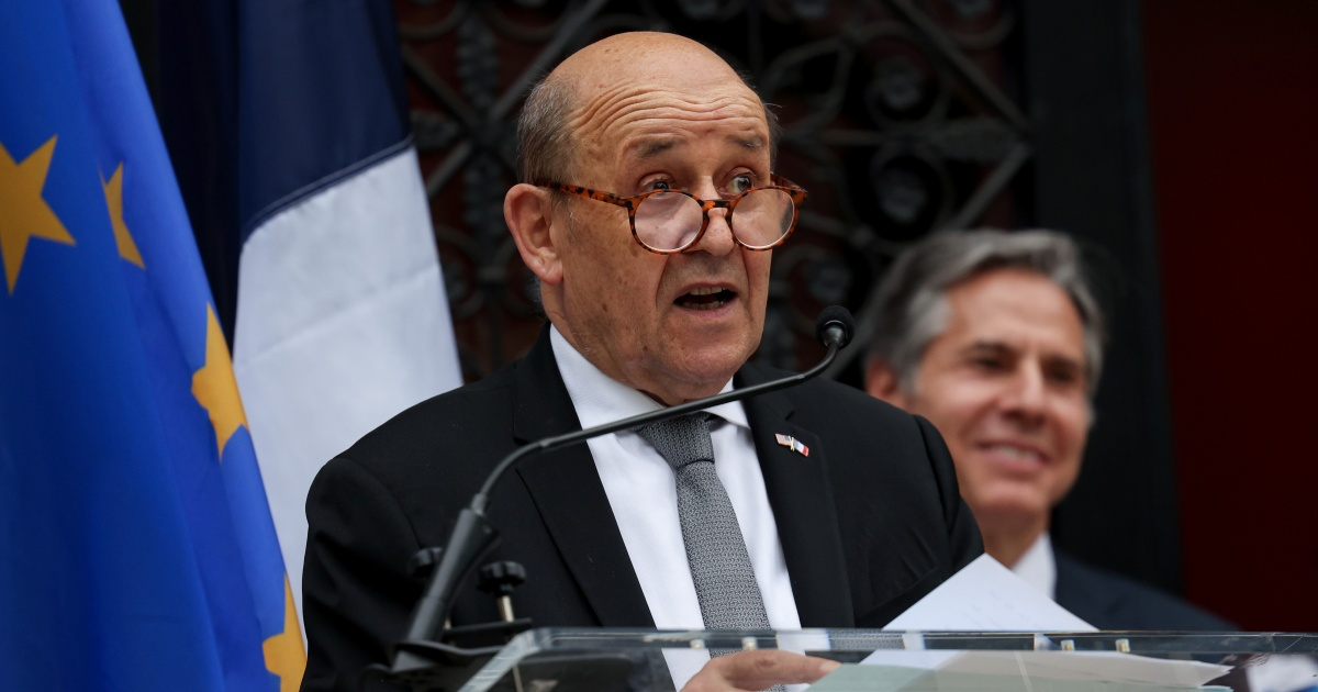 France accuses Australia, US of 'lying' over submarine deal