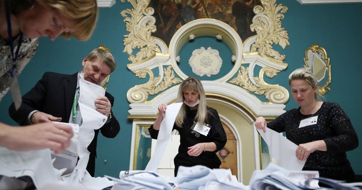 Rusia Manunggal unggul ketika jajak pendapat ditutup dalam pemilihan parlemen thumbnail