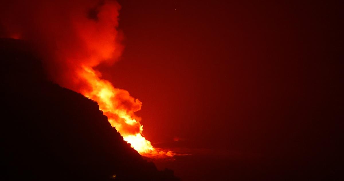 Lava from Canaries' volcano reaches sea nine days after eruption - aljazeera