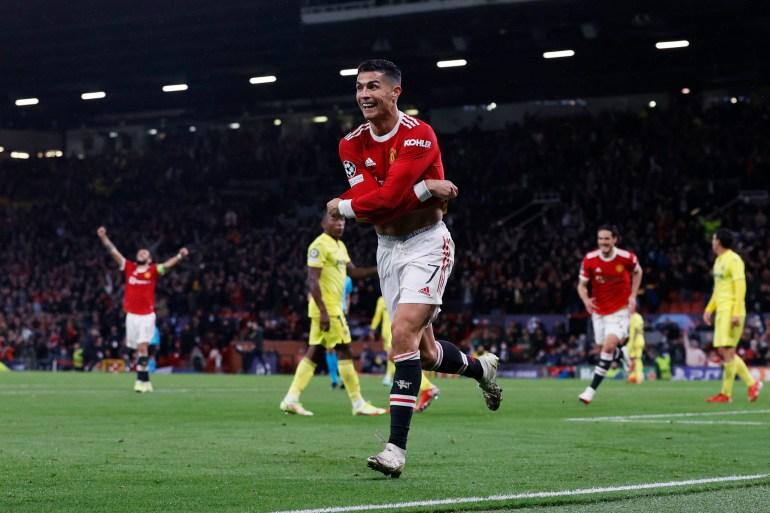 Last-gasp Ronaldo wins it for Manchester United   Football News   Al Jazeera