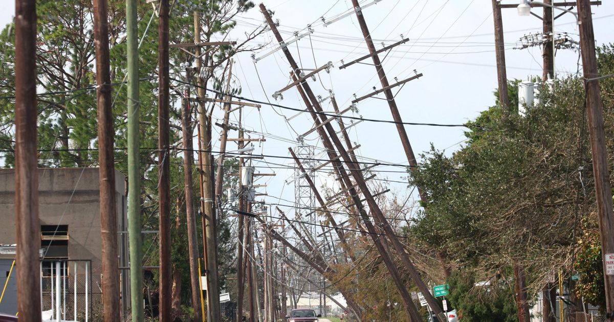 Ida leaves hot & humid New Orleans without power for days