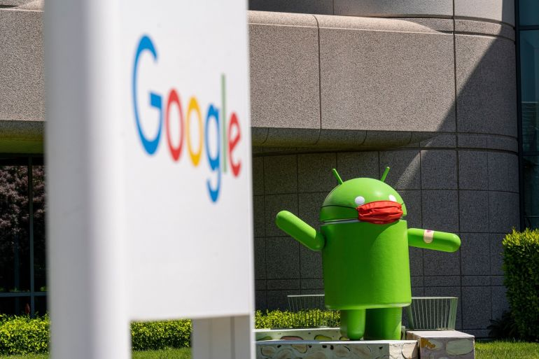 Google's mobile operating system powers more than 80 percent of smartphones around the world [File: David Paul Morris/Bloomberg]