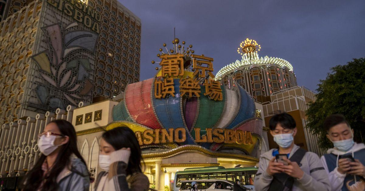 Macau casino stocks plunge as gov't kicks off consultation