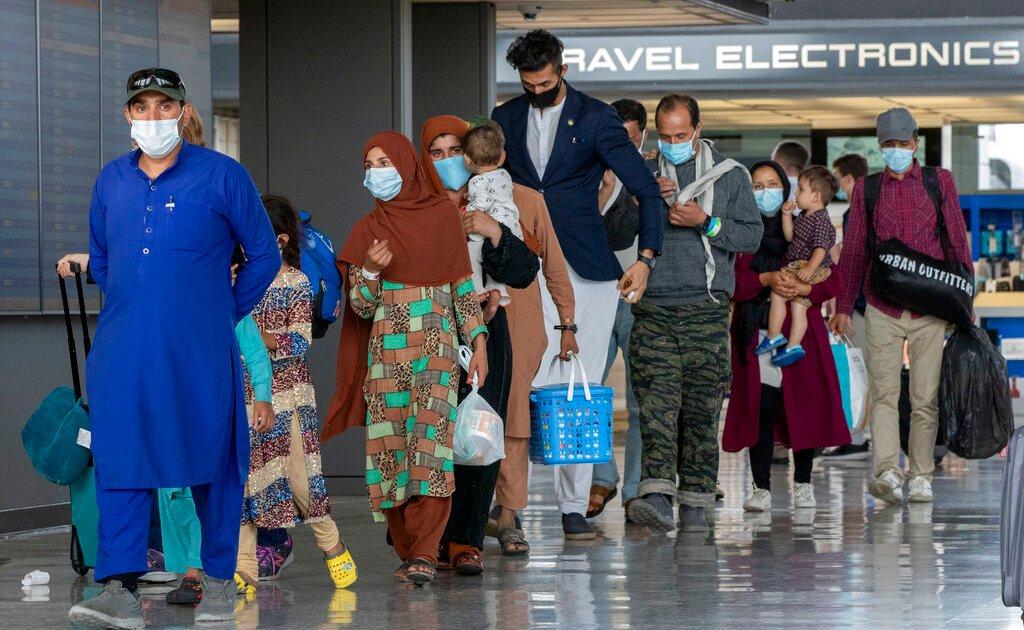Biden untuk meningkatkan batas pengungsi AS menjadi 125.000 untuk satu tahun berikutnya thumbnail