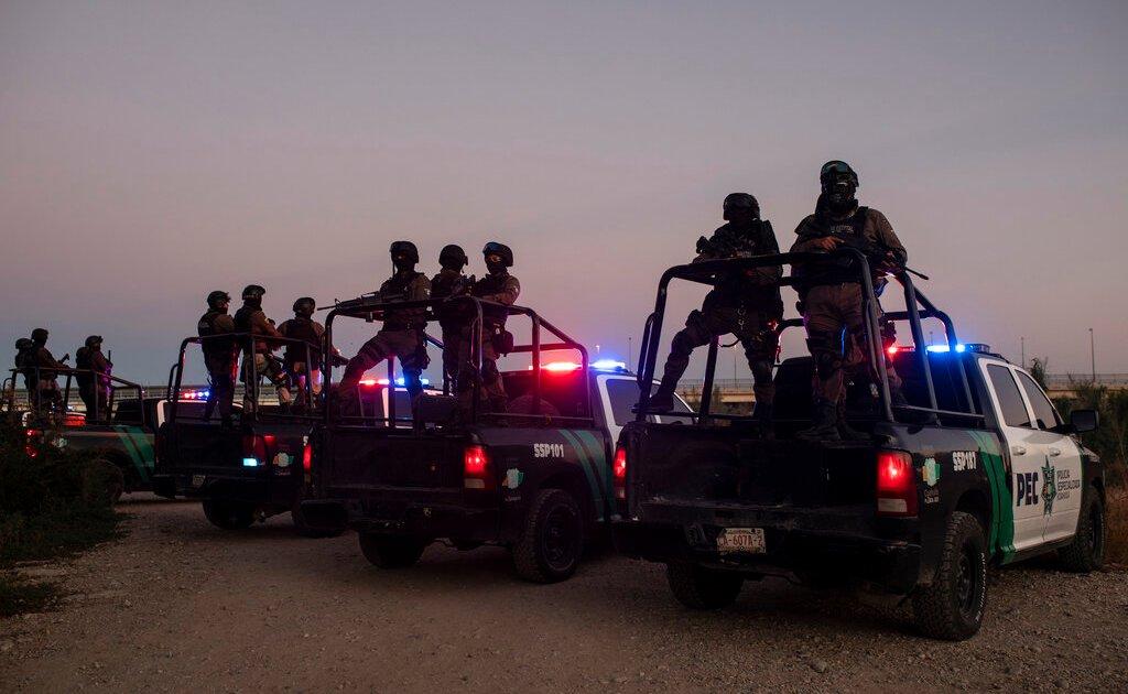 US envoy to Haiti quits over 'inhumane' deportations of Haitians