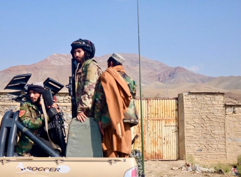 I residenti fuggono mentre i talebani intensificano la battaglia per prendere il Panjshir
