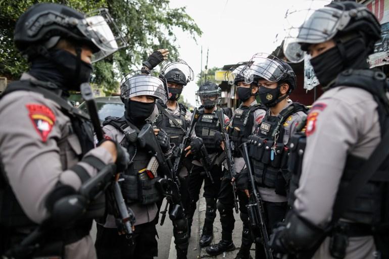 A polícia indonésia intensificou a ação contra grupos como o Jemaah Islamiyah, que estava ligado à Al-Qaeda e executou os atentados de Bali em 2002 [File: Mast Irham/EPA]
