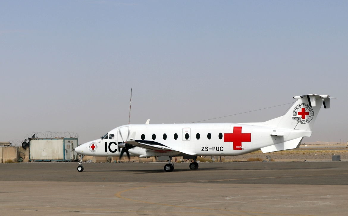 A Beechcraft 1900D aircraft belonging to the International Committee of the Red Cross taxies at Ahmad Shah Baba International Airport in Kandahar. [EPA]