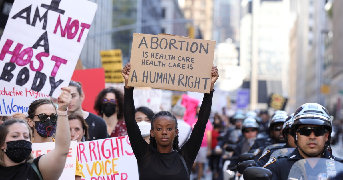, Thousands of women march across US in support of abortion rights, The World Live Breaking News Coverage & Updates IN ENGLISH