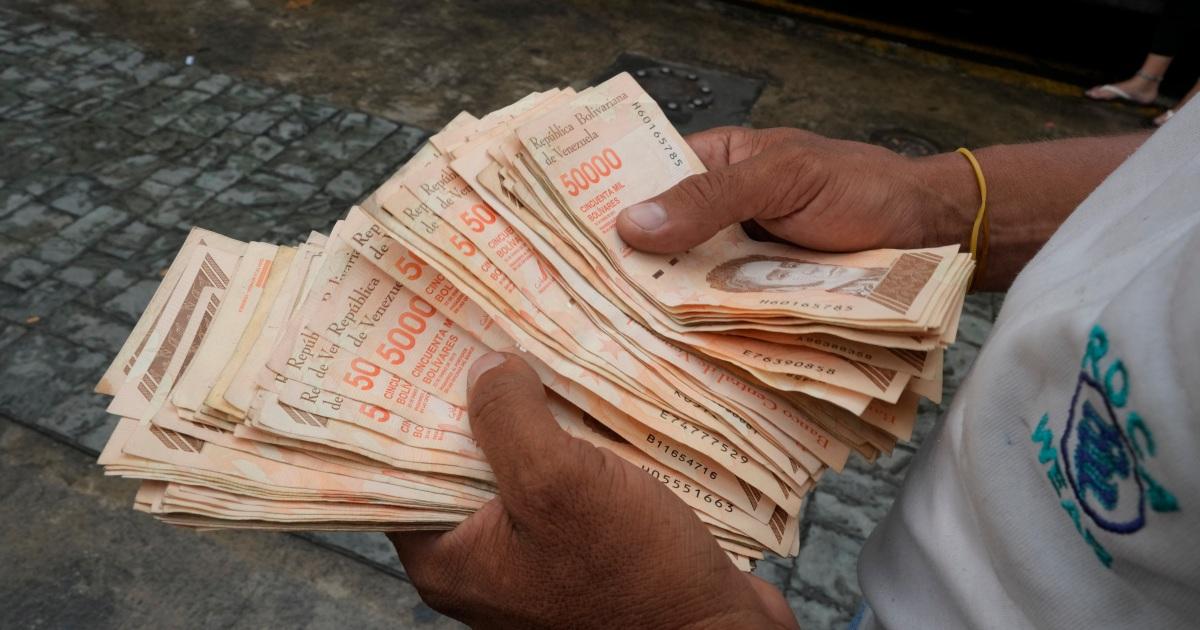 Venezuela introduces new currency, drops six zeros